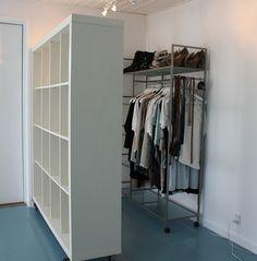 rumdeler som del af et walk in closet