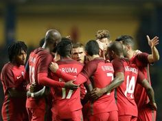 Portugal conhece na sexta-feira os adversários na fase de grupos do Mundial 2018 de futebol, num sorteio em que terá o estatuto de cabeça de série e em que a Espanha é a seleção a evitar. http://sicnoticias.sapo.pt/especiais/mundial-2018/2017-11-29-Portugal-conhece-adversarios-do-Mundial-2018-na-sexta-feira
