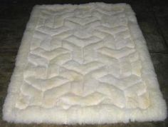 Weisser Alpaka Fellteppich, V Design, aus Peru