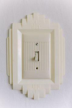 Sneak Peek: Rebekah Carey McNall of A & B Creative - art deco light switch plate…. yes, please. Informations About Sneak Peek: Rebekah Carey M - Casa Art Deco, Art Deco Decor, Decoration, Motif Art Deco, Art Deco Design, Design Design, Art Deco Lighting, Antique Lighting, House Lighting