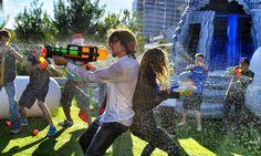 Parkour Water Fight in 4K!   Devinsupertramp