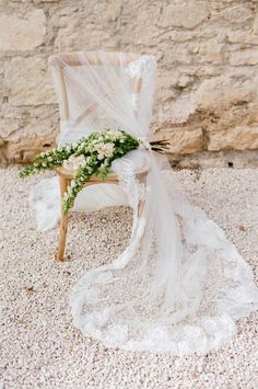 """If you are a fan of romantic florals and French countryside inspiration, you will die for this gorgeous """"La Vie En Rose"""" French wedding inspiration in Provence! We're absolutely enamored by all the gorgeous floral designs in this editorial — from the soft rose bouquet to the more rustic bouquets to the lush floral arrangements, […]"""