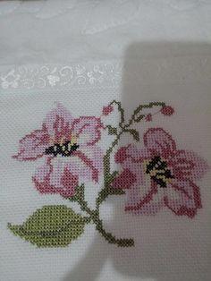 Cross Stitch Borders, Cross Stitch Designs, Cross Stitch Patterns, Palestinian Embroidery, Baby Knitting Patterns, Embroidery Stitches, Crochet, Diy And Crafts, Sewing