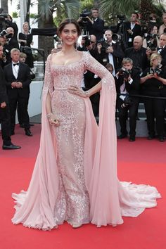 Sonam Kapoor Cannes Film Festival 2017 PHOTO COLLECTION