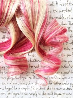 Still obsessed with Vivka's high-quality clip-in hair extensions on Etsy. Pink and bleach blonde here.