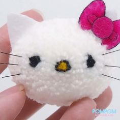 DIY Tutorial - How to Make a Pompom Hello Kitty - Pompom Tutorial Diy Resin Crafts, Xmas Crafts, Yarn Crafts, Pom Pom Animals, Biscuit, Hello Kitty Backgrounds, Wool Dolls, Hello Kitty Pictures, Paper Pom Poms