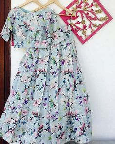 Skirt And Crop Top Indian Party Wear 19 Super Ideas Indian Skirt, Indian Dresses, Indian Outfits, Pool Party Dresses, Pool Party Outfits, Indian Crop Tops, Indian Party Wear, Floral Print Skirt, Skirt Fashion