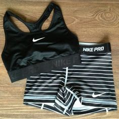 Nike shoes Nike roshe Nike Air Max Nike free run Nike USD. Nike Nike Nike love love love~~~want want want! Nike Outfits, Sport Outfits, Casual Outfits, Casual Shoes, Nike Fitness, Fitness Diet, Fitness Style, Fitness Wear, Workout Attire