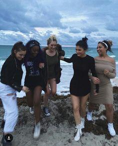 Kylie Jenner with Jordyn Woods Looks Kylie Jenner, Estilo Kylie Jenner, Kardashian Jenner, Best Friend Pictures, Friend Photos, Gal Pal, Cute Friends, Best Friend Goals, Squad Goals