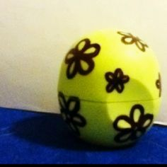 draw flowers on eos chapstick so cute!