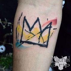 Releitura da obra CROWN de Jean-Michel Basquiat (neo-expressionista dos anos 80) com suas características cores, feita no antebraço