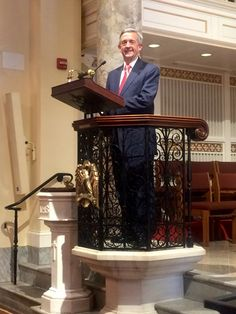 "Dr. Robert Jeffress ‏@robertjeffress 59m59 minutes ago  Honored to deliver sermon ""When God Chooses a Leader"" for Trump/Pence private family service at St. John's Church before #Inauguration."