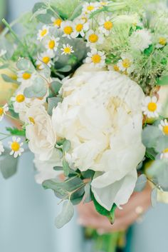 Pretty summer blooms: http://www.stylemepretty.com/little-black-book-blog/2015/08/24/historic-and-intimate-new-jersey-barn-wedding/   Photography: Rachel Pearlman - http://www.rachelpearlmanphotography.com/#!/home