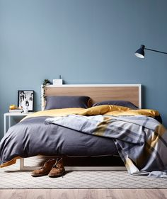 Tasmanian Oak veneer and powdercoated tube steel bed frame in Queen & Single…