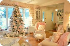 Shabby Chic Pink Christmas Decorating Ideas and Tips Estilo Shabby Chic, Shabby Chic Pink, Shabby Chic Cottage, Vintage Shabby Chic, Shabby Chic Homes, Shabby Chic Decor, Noel Christmas, Pink Christmas, French Christmas