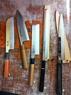 Japanese cooking knives: 1. Kamagata usuba 2.deba 3.usuba 4. takobike 5.yanagi