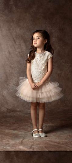 tutu Little Girl Outfits, Little Girl Fashion, Toddler Fashion, Kids Outfits, Kids Fashion, Dress Anak, Girls Dresses, Flower Girl Dresses, Annie Leibovitz