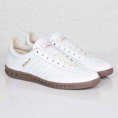 the latest c6b7c d4d71 titolo Italia Independent adidas zx flux B32740 Spink  Black  White. Ioanna  Lastioti · Ioanna Lastiotishoes · adidas Hand-Burg Spezial Adidas Spezial,  ...