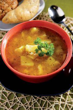 Ciorbă ţărănească de cartofi | Retete culinare - Romanesti si din Bucataria internationala Soup For The Soul, Romanian Food, Thai Red Curry, Good Food, Goodies, Brunch, Food And Drink, Vegetarian, Healthy Recipes