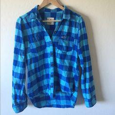 Hollister Plaid Button Down Shirt Blue button up shirt. Hollister Tops Button Down Shirts