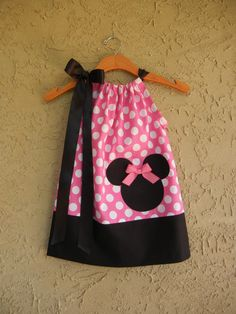 Monogrammed Minnie Mouse Polka Dot Pillowcase Dress - sizes to for BIRTHDAYS, Disney Trips, or Pictures Minnie Birthday, 3rd Birthday Parties, Girl Birthday, Birthday Ideas, Mini Mickey, Sewing Crafts, Sewing Projects, Minnie Mouse Theme, Mickey Mouse