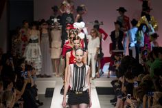 Défilé Moschino prêt-à-porter printemps-été 2014, Milan. #MFW #SS14 #fashionweek #moschino
