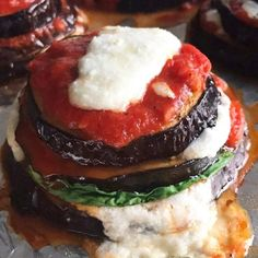 Baked Eggplant Stacks is what we had for dinner last night from the #skinnytastefastandslow cookbook.  If you don't have my latest cookbook you can check this out on my Instagram Stories #eggplant #lowcarb #skinnytaste #foodoftheday #lunch #munchies