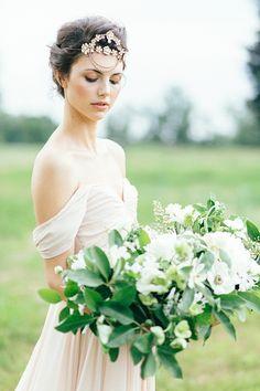 Honey and Magnolia Wedding Inspiration.  Photography by Emily Sacco Photography