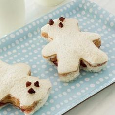 Teddy Bear Sandwiches...peanut butter and jelly, honey or bananas and raisins or chocolate chips for the eyes and mouth