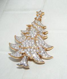 Signed SWAROVSKI swan logo clear Rhinestone CHRISTMAS TREE pin BROOCH figural #Swarovski