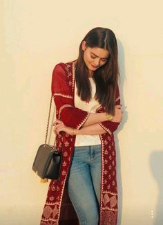 Beautiful pictures of minal khan with her friends in lahore Girls Fashion Clothes, Girl Fashion, Fashion Outfits, Clothes For Women, Simple Work Outfits, Casual Outfits, Uni Outfits, Indian Dresses, Indian Outfits