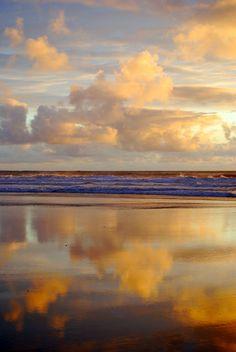 amazing ocean refection