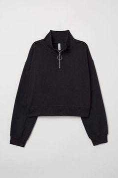 Short top in sweatshirt fabric with a high, ribbed stand-up collar with a zip at the front. Dropped shoulders, long sleeves and ribbing at the cuffs and hem Teenage Outfits, Teen Fashion Outfits, Crop Top Outfits, Cute Casual Outfits, Sweat Noir, Collared Sweatshirt, Tomboy Fashion, Korean Outfits, Alternative Fashion