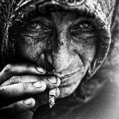 i wish i new where this was taken...it is such a striking image. very intense and raw. #faces #photography