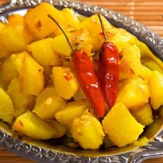 Bhapaa Aloo: Baby in a distinctive five spice mix, steamed with mustard paste, curd and coconut. Vegan Indian Recipes, Vegetarian Recipes, Cooking Recipes, Healthy Recipes, Cooking Stuff, Vegetarian Cooking, Yummy Recipes, Bangladeshi Food, Bengali Food