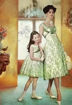 Mommy and Me – Matching mother daughter dresses - Dressing Vintage