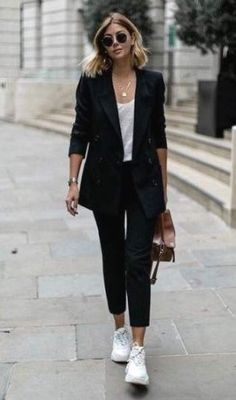 Womens Blazer Outfit Ideas Picture black blazers for women trendy outfit ideas 2020 Womens Blazer Outfit Ideas. Here is Womens Blazer Outfit Ideas Picture for you. Womens Blazer Outfit Ideas women blazer outfits 32 ways to wear blazer. Blazer Outfits Casual, Blazer Outfits For Women, Business Casual Outfits, Professional Outfits, Summer Outfits Women, Blazers For Women, Classy Outfits, Stylish Outfits, Casual Ootd