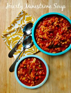 A Homemade Hearty Minestrone Soup Recipe - the perfect hearty soup for a cold fall evening! Add this to your fall recipes index for a quick weeknight meal!
