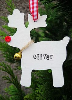 Paper Christmas Craft, White reindeer Paper Christmas Crafts for 2013 Christmas, DIY cheap christmas crafts Wood Reindeer, White Reindeer, Reindeer Craft, Christmas Paper Crafts, Christmas Wood, Holiday Crafts, Christmas Ornaments, Christmas Tables, Cheap Christmas