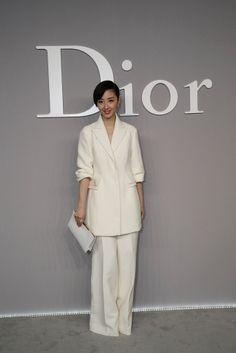 Dior+Haute+Couture+Presentation+7uQJEXH2erhx.jpg 683×1,024 pixels