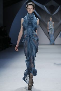 From Vera Wang's FW 2012 collection.