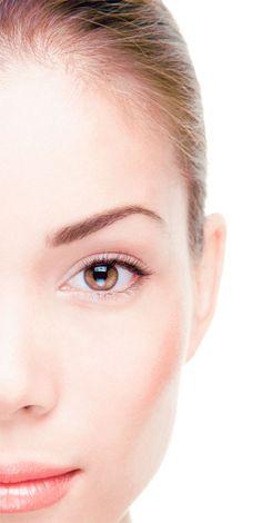 El Plasma Rico en Plaquetas produce una bioestimulación facial, con lo que se consigue la atenuación de las arrugas, aumento del grosor y tersura de la piel para lograr un aspecto más joven.
