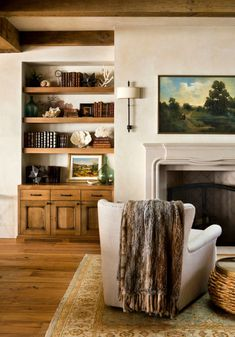 Craftsman living room with built in shelves