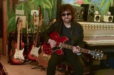 Jeff Lynne's ELO  'Alone In The Universe' Tour Wed 20 Fri 22 Sat 23 at The O2 Arena London Tickets Here. #globalticketsuk #bestseats #gigtickets #ELO #JeffLynnes