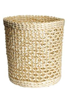 Storage basket in braided straw. Height 11 in., diameter at base 10 in. Beautiful Beach Houses, Large Storage Baskets, H&m Home, H&m Online, Light Beige, Color Inspiration, Furniture Decor, Design, Home Decor