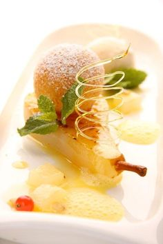 Cucina gourmet by Markus Lanzinger & Renato Cervo Cantaloupe, Panna Cotta, Fruit, Ethnic Recipes, Desserts, Food, Gourmet, Pear, Food And Drinks