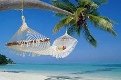 Maldives Hammock Beach - There's nothing like falling asleep to the sound of the ocean. Hammock Beach, Rope Hammock, Backyard Hammock, Outdoor Hammock, Hanging Hammock, Hammock Swing, Outdoor Pool, Strand Wallpaper, Beach Wallpaper