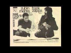 """Frank Zappa -""""Invocation And Ritual Dance Of the Young Pumpkin"""" Kein Halloween ohne Kürbis! Deshalb abschließend dieser hirnsprengende Jam von Frank Zappa und den Mothers of Invention. Wir haben es nicht ausprobiert, aber wir vermuten, dass man einen (jungen) Kürbis aushöhlen kann, indem man ihn zwischen zwei Boxen platziert, und diesen Song voll aufdreht."""