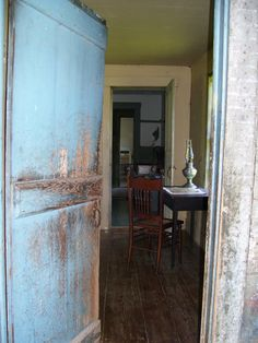 1000 images about primitive colonial rustic entryways for Mckie wing roth home designs