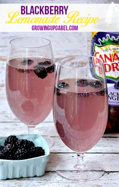Need some ideas for simple spring entertaining? Try this simple Blackberry Lemonade Recipe made with just two ingredients. #ad #KeepSpringBubbly